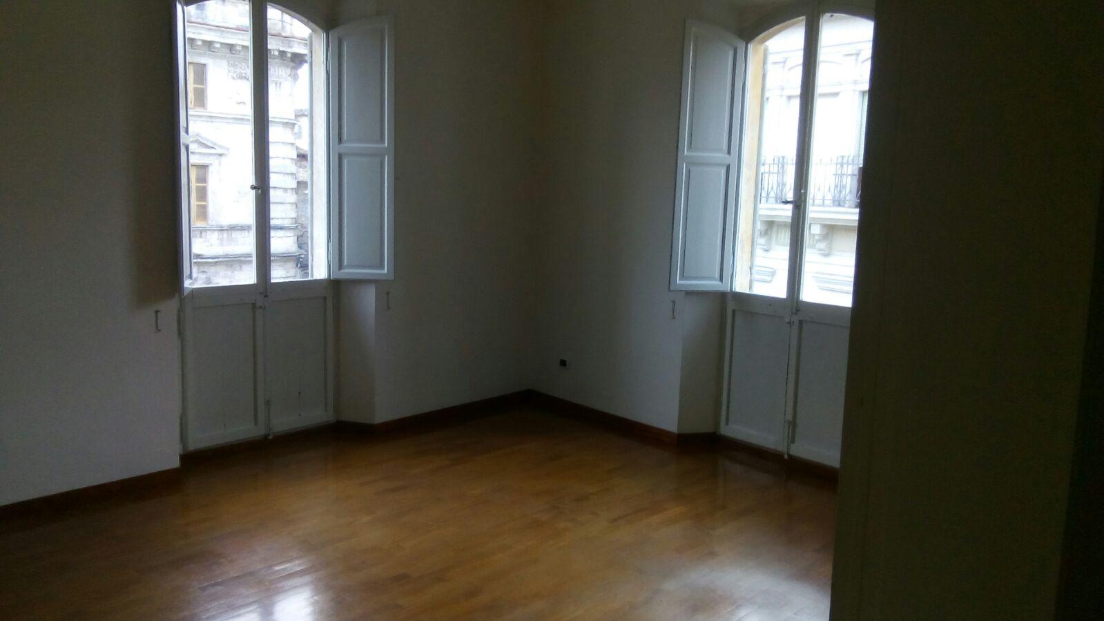 Ufficio / Studio in affitto a Ascoli Piceno, 9999 locali, zona Località: CentroStorico, prezzo € 450 | CambioCasa.it