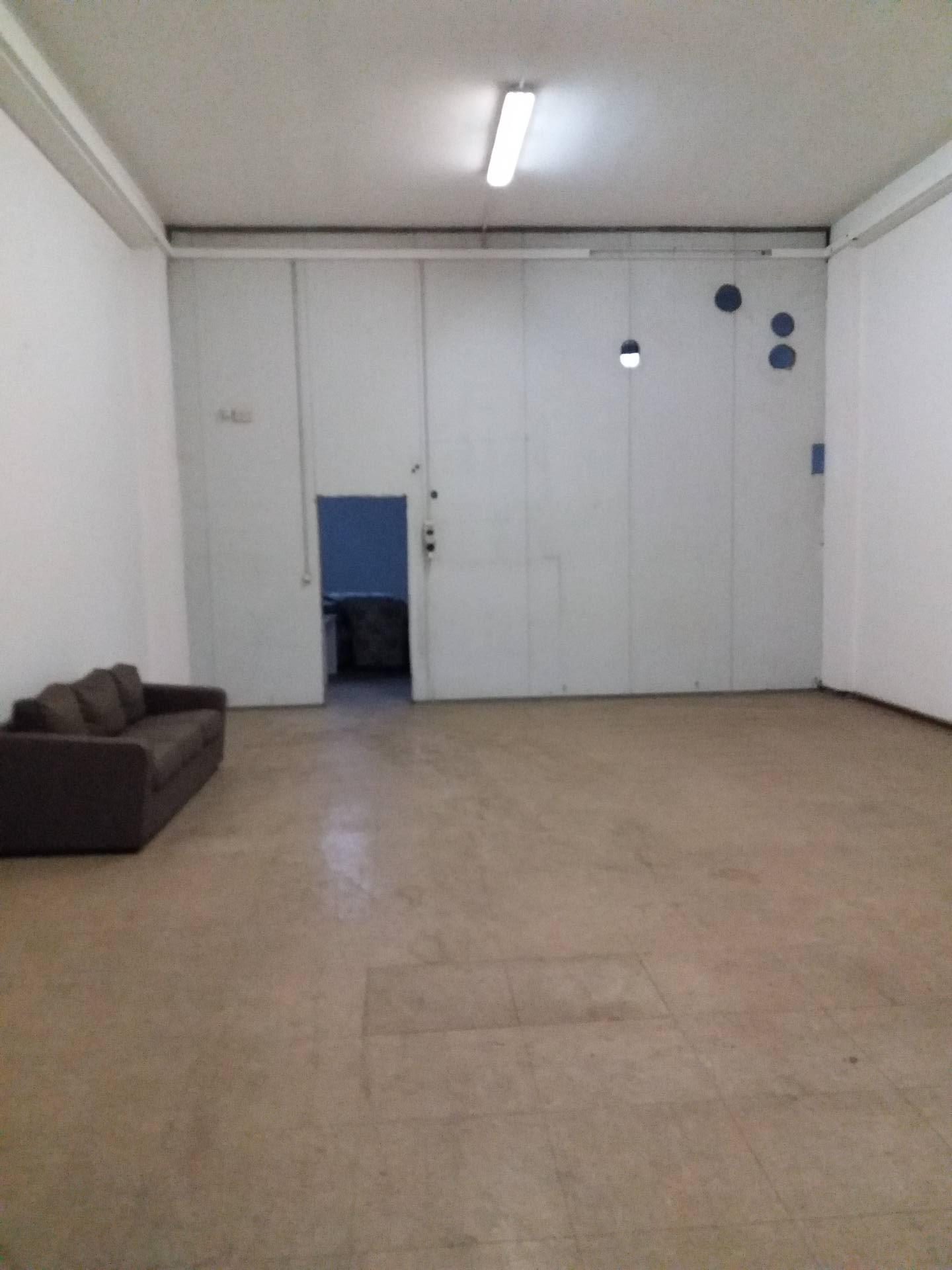 Laboratorio in affitto a Ascoli Piceno, 9999 locali, zona Località: MarinodelTronto, prezzo € 800 | CambioCasa.it