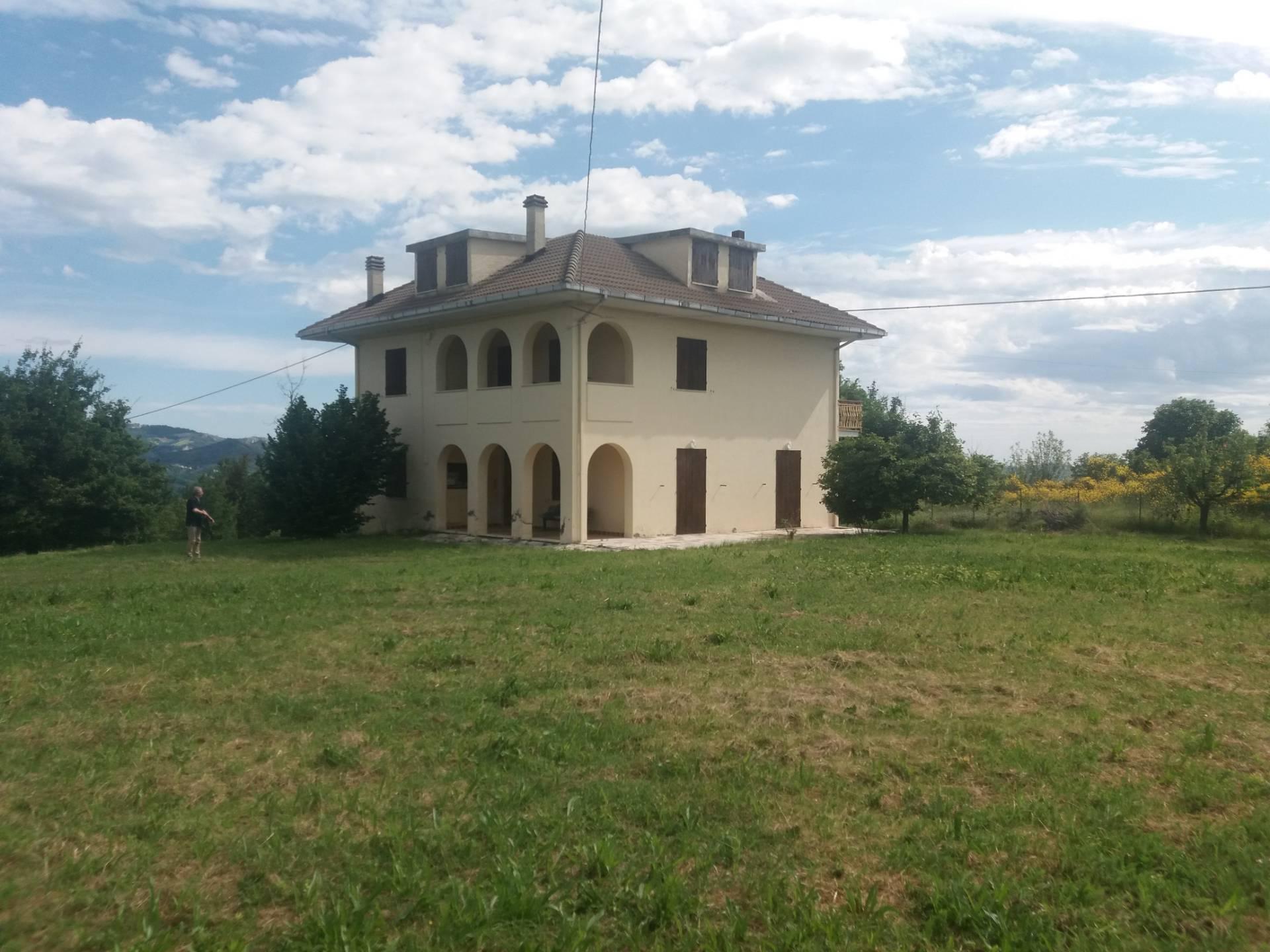 Soluzione Indipendente in vendita a Venarotta, 12 locali, zona Zona: Olibra, prezzo € 250.000 | CambioCasa.it