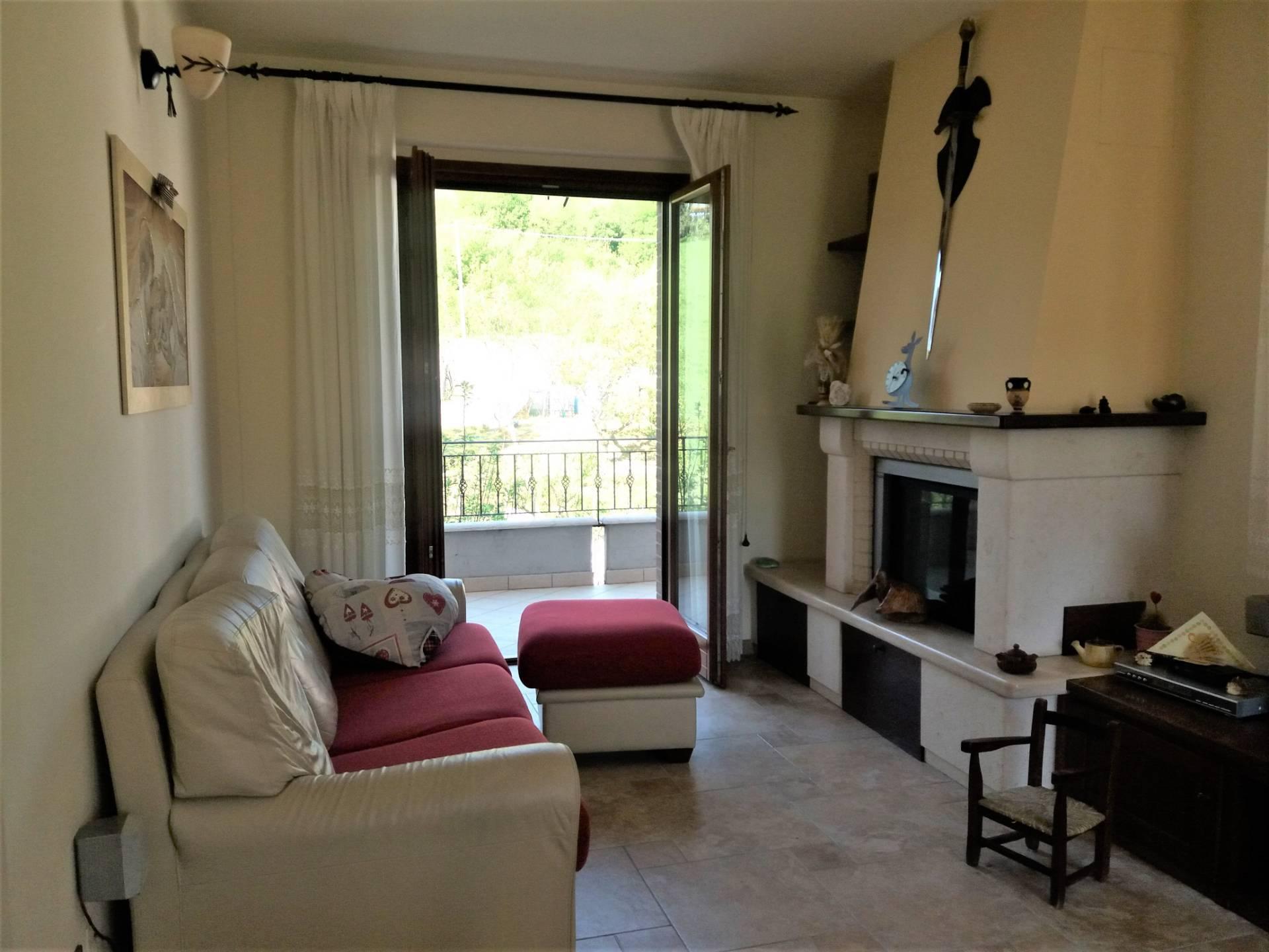 Appartamento in vendita a Roccafluvione, 5 locali, prezzo € 120.000 | CambioCasa.it