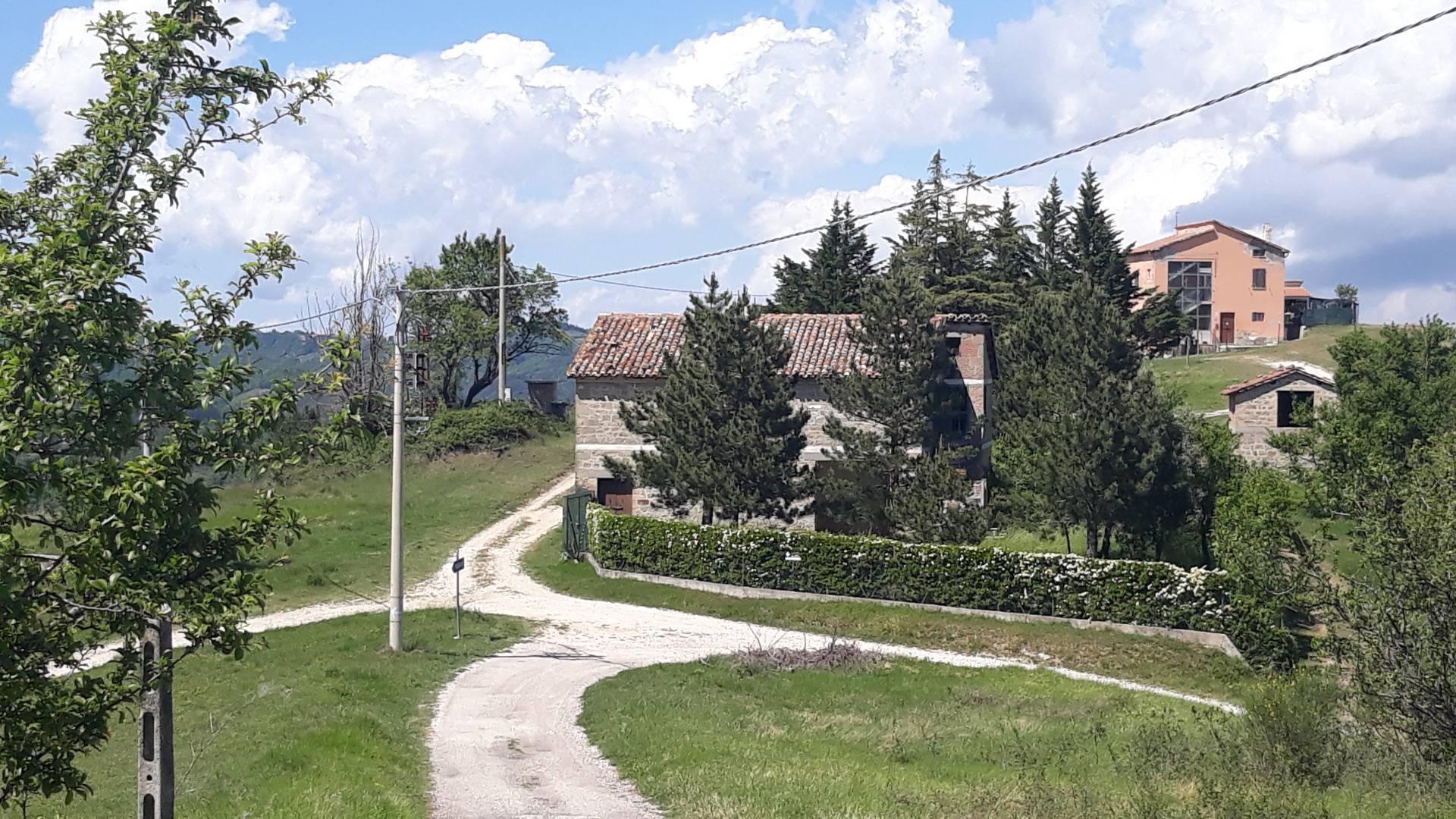 Rustico / Casale in vendita a Roccafluvione, 8 locali, prezzo € 150.000 | CambioCasa.it