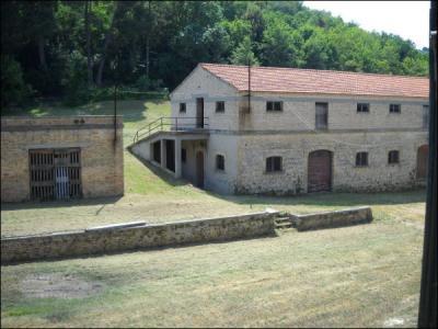 Casa colonica in Vendita a Ripatransone