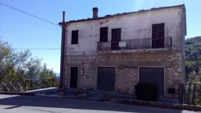 Casa indipendente in Vendita a Montegallo