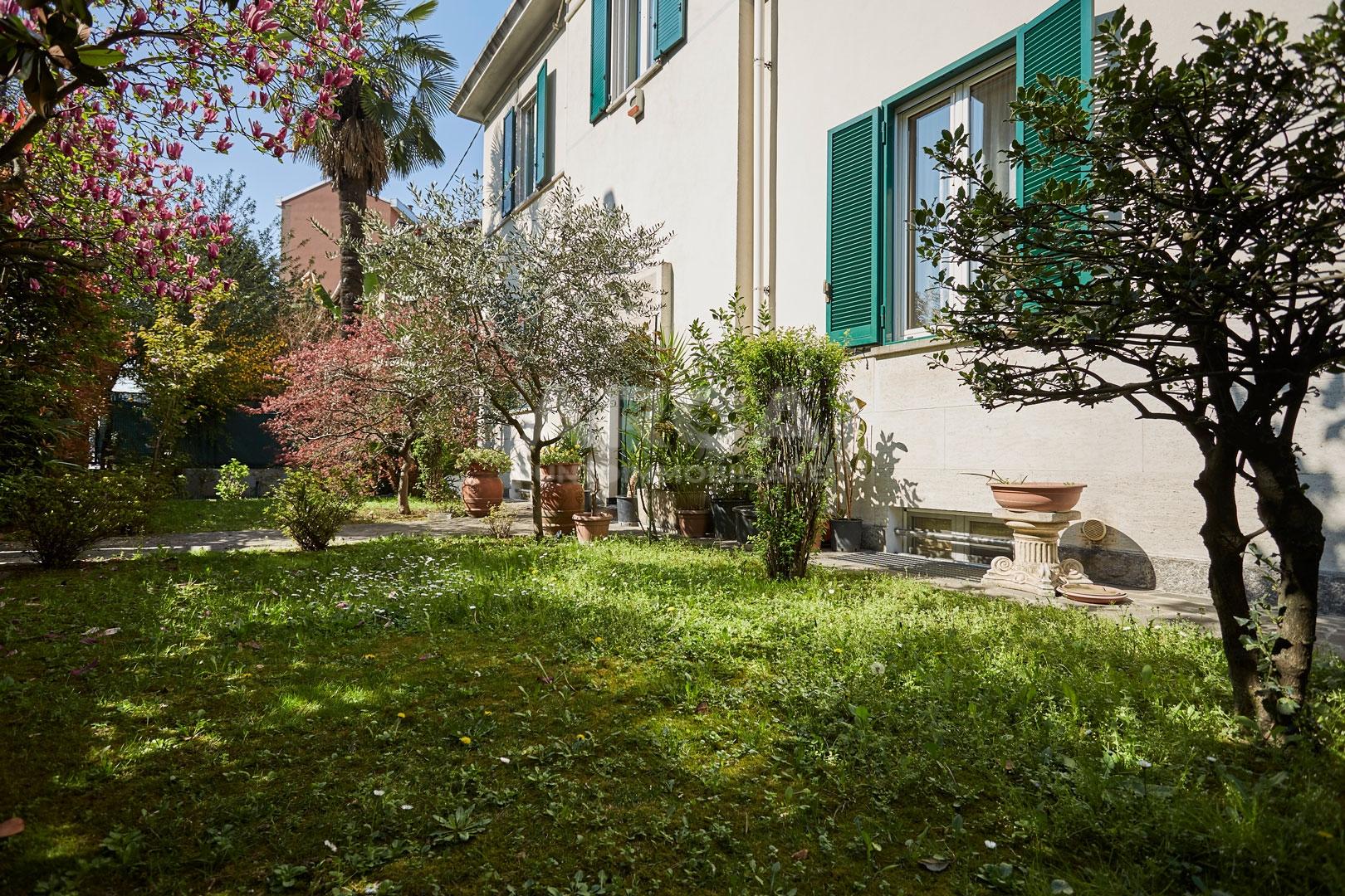 Sesto San Giovanni   Villa in Vendita in VIALE ITALIA   lacasadimilano.it