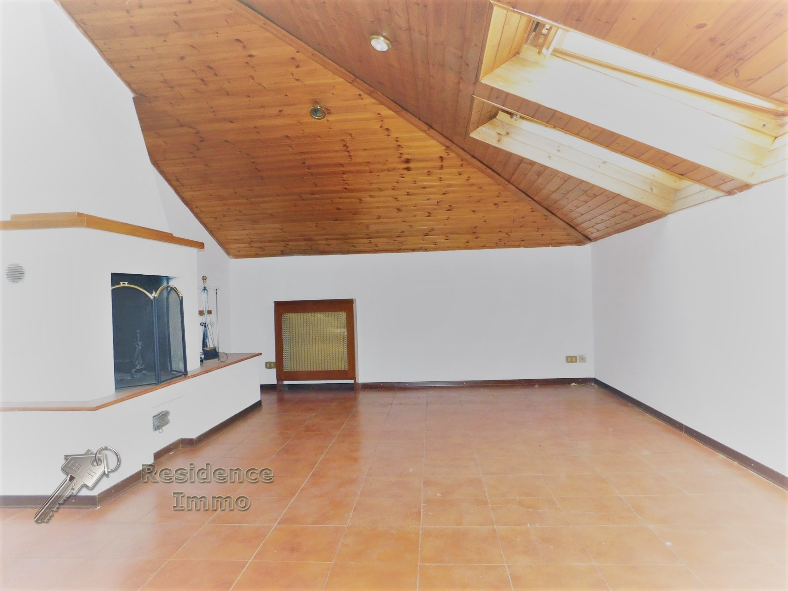 wohnung attika kaufen in bolzano bozen kodex 2055. Black Bedroom Furniture Sets. Home Design Ideas