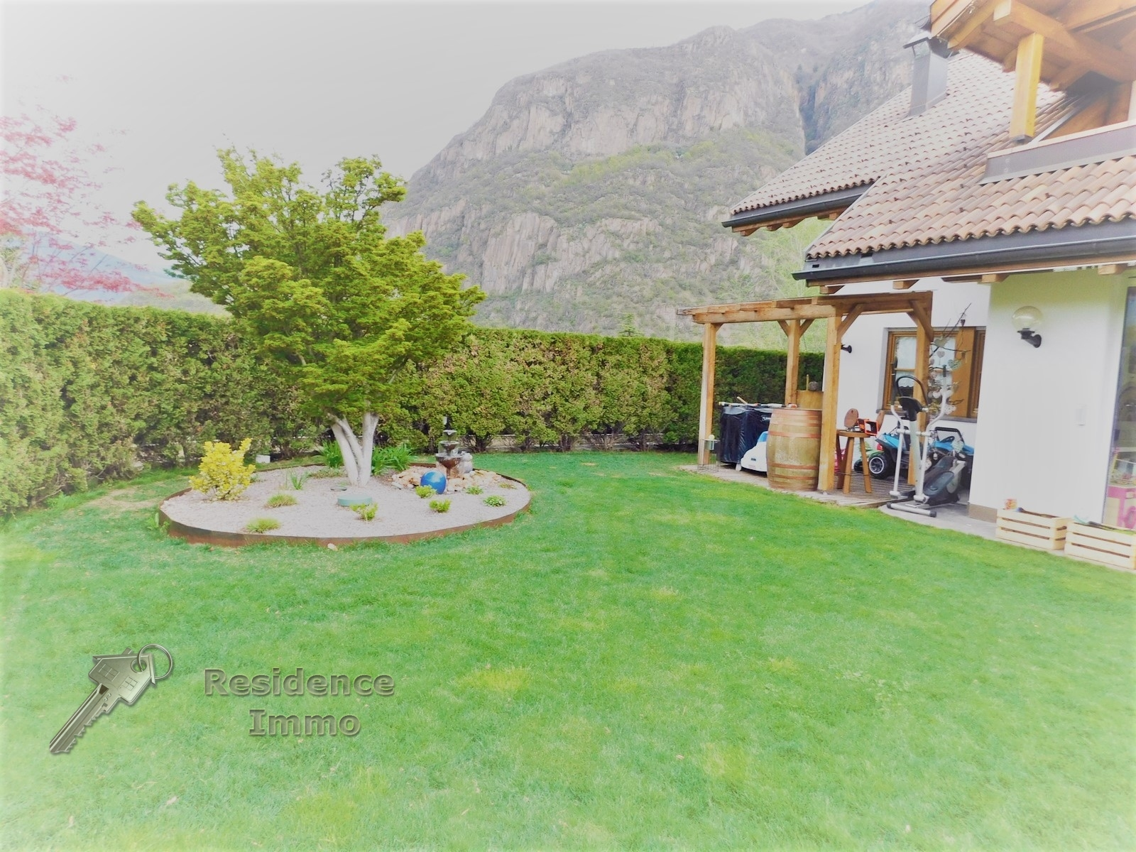 Villa Bifamiliare in vendita a Laives, 8 locali, zona Località: SanGiacomo, Trattative riservate | CambioCasa.it