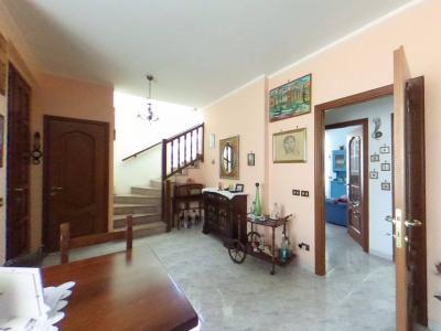 Villa Binata in Vendita a Vercelli