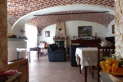 Casa indipendente in Vendita a Tricerro