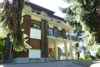 Villa Bifamigliare in Vendita a Caronno Varesino