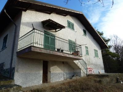 Villa in Vendita a Ponzone