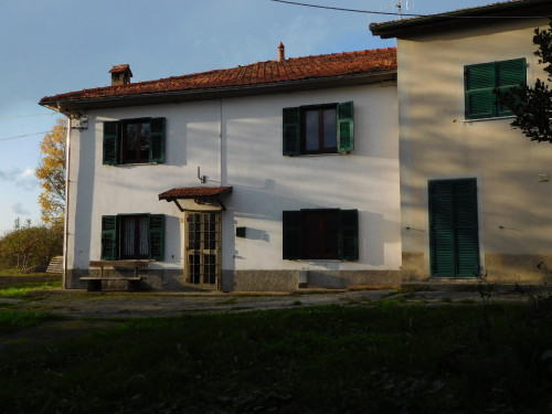 Villette a schiera in Vendita a Giusvalla