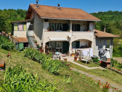 Villa in Vendita a Giusvalla