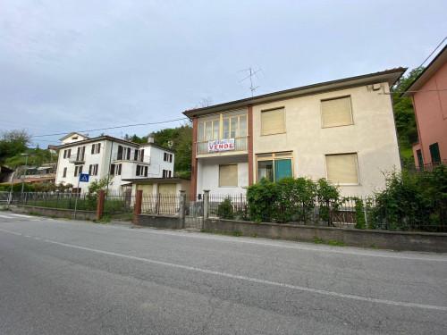 Villa in Vendita a Millesimo