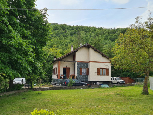 Villa in Vendita a Pontinvrea
