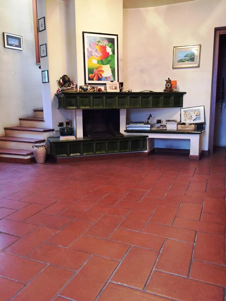 Villa in vendita a Buccinasco, 5 locali, prezzo € 430.000 | Cambio Casa.it