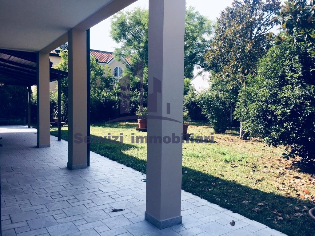 VILLA in Vendita a Buccinasco (MILANO)