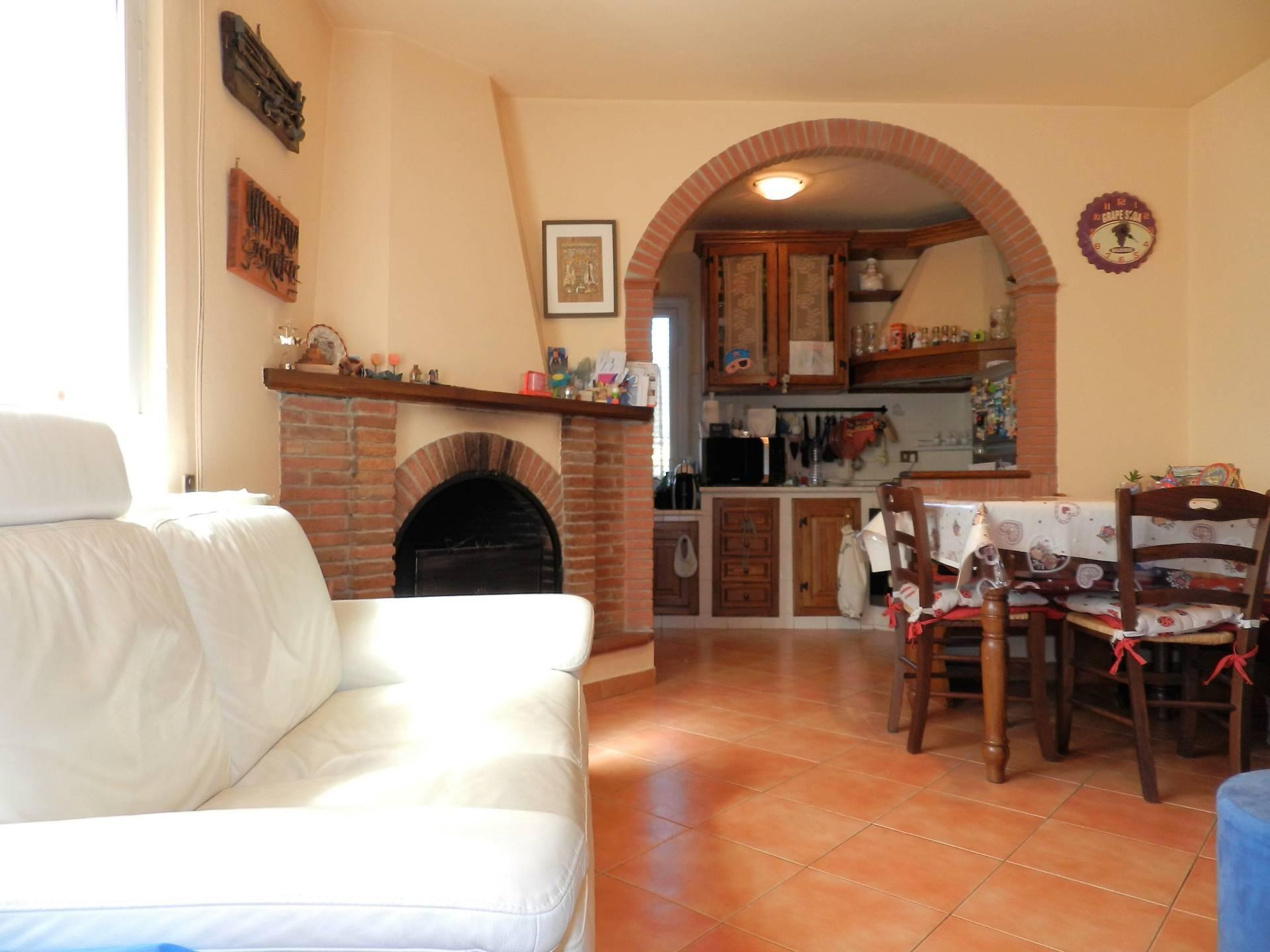 Appartamento in vendita a Capannori, 4 locali, zona Località: SegromignoinMonte, prezzo € 135.000 | PortaleAgenzieImmobiliari.it