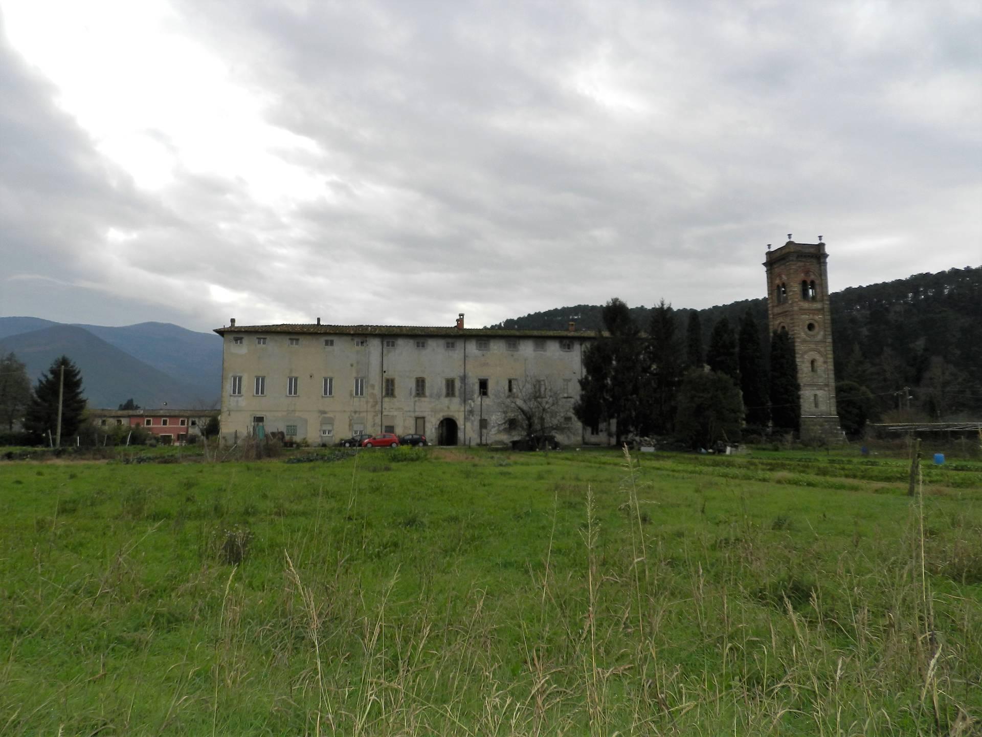 Attico / Mansarda in vendita a Capannori, 3 locali, zona Località: BadiadiCantignano, prezzo € 29.000 | Cambio Casa.it