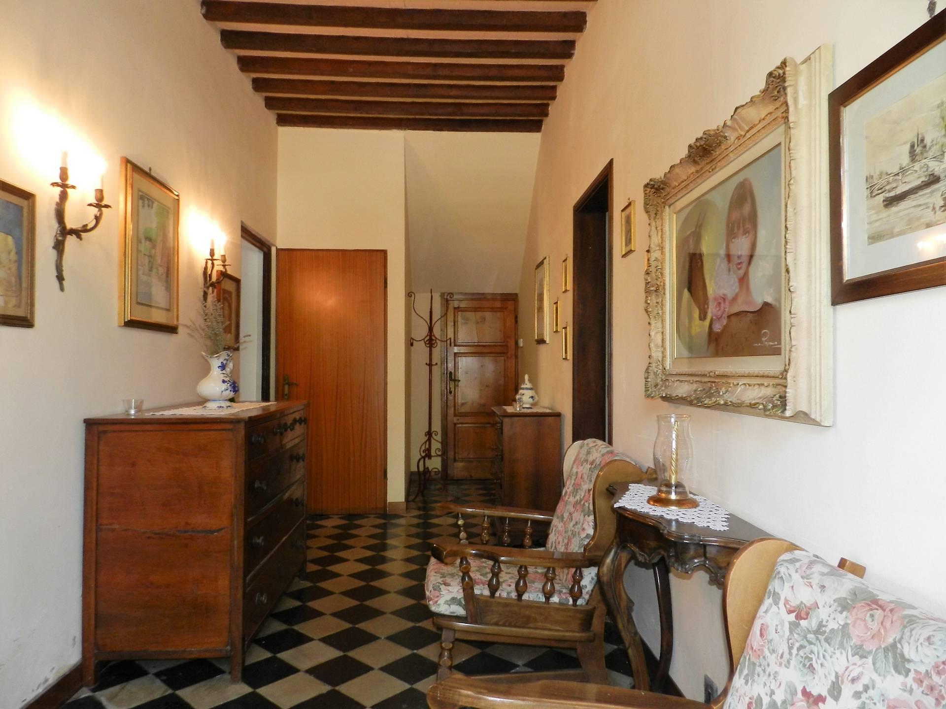 Soluzione Indipendente in vendita a Lucca, 10 locali, zona Zona: Gattaiola, prezzo € 220.000 | Cambio Casa.it