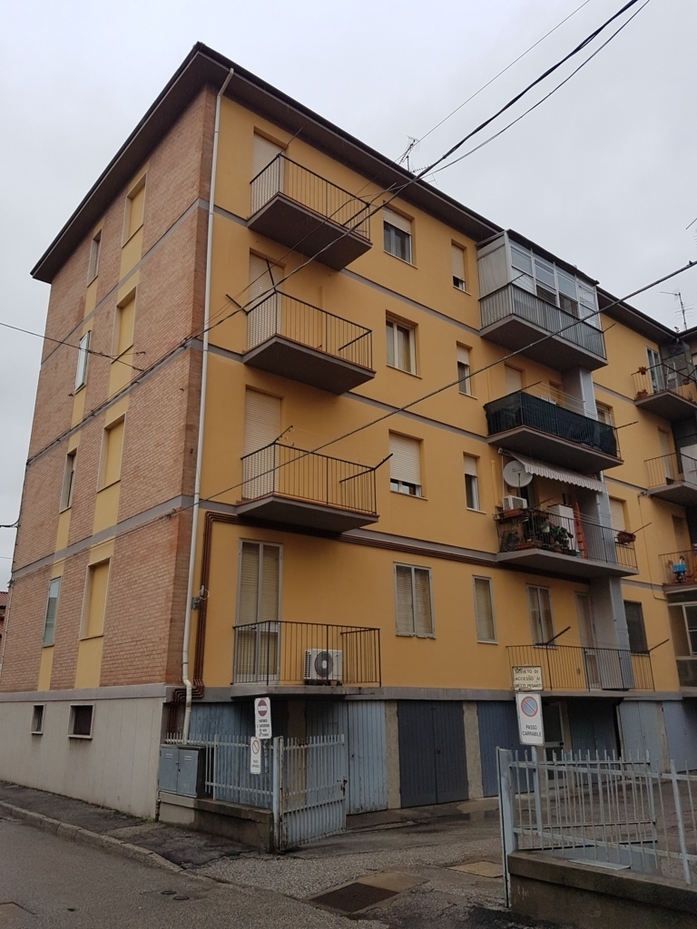 vendita appartamento ferrara via bologna  82000 euro  3 locali  73 mq