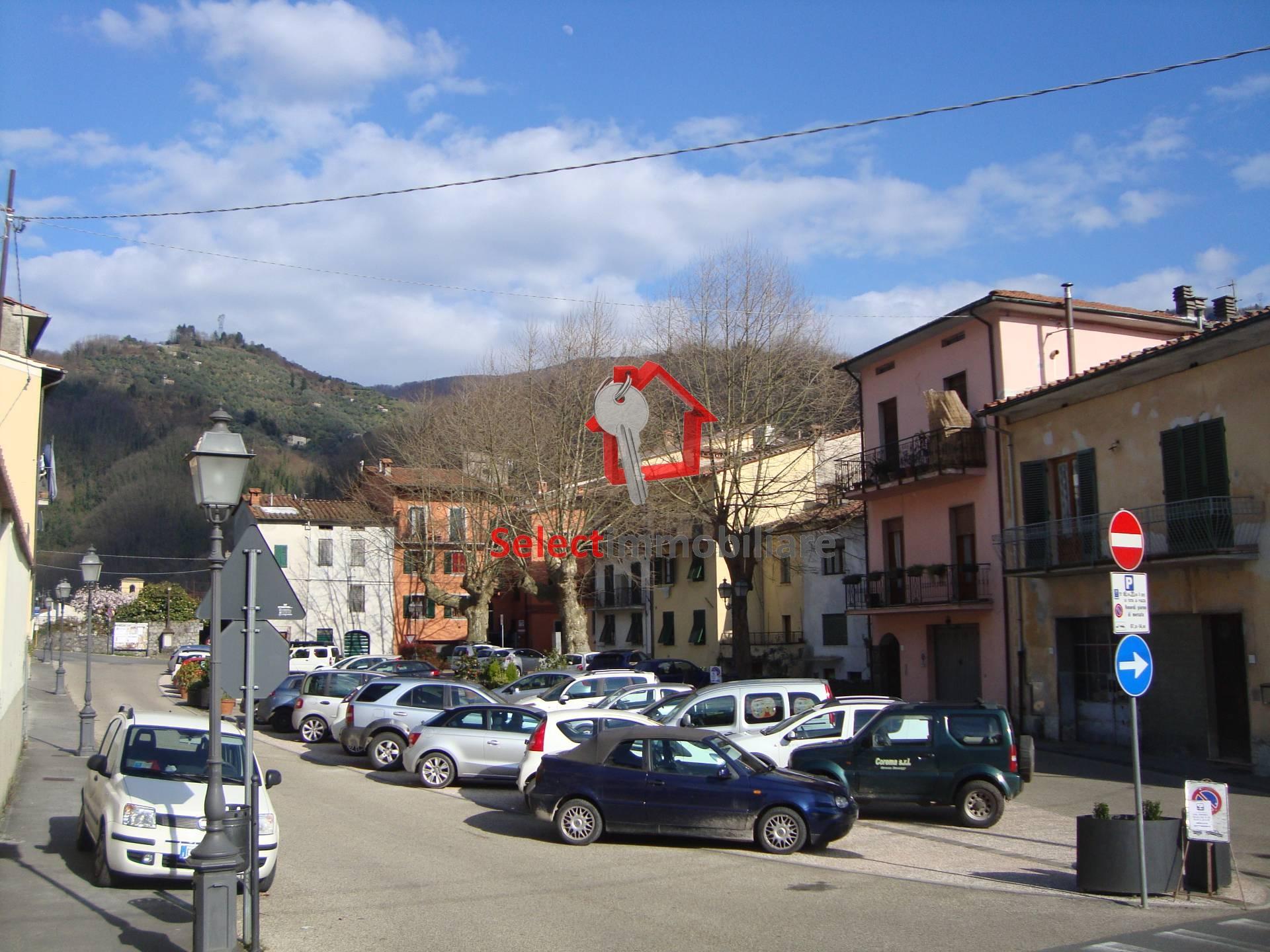 Appartamento in affitto a Borgo a Mozzano, 5 locali, zona Località: capoluogo, prezzo € 520 | Cambio Casa.it
