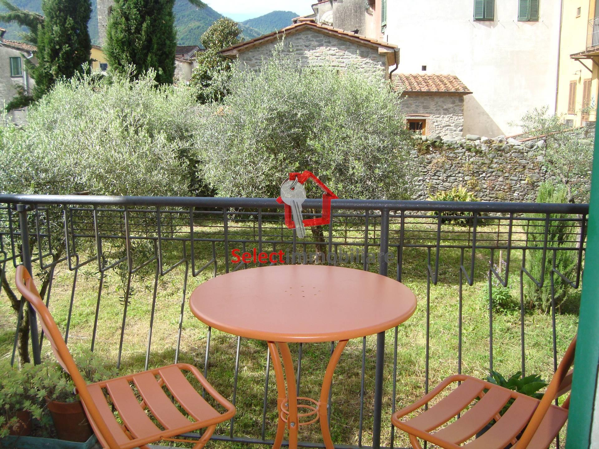Appartamento in vendita a Borgo a Mozzano, 5 locali, zona Località: capoluogo, prezzo € 129.000 | Cambio Casa.it
