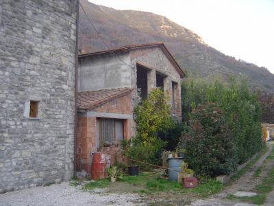 Rustico in Vendita a Borgo a Mozzano