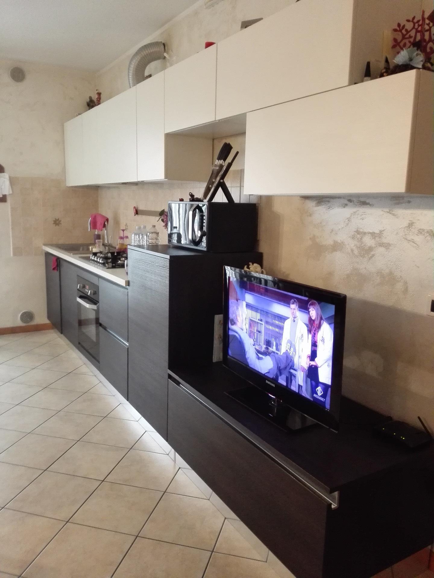 Appartamento in vendita a Santa Lucia di Piave, 3 locali, zona Località: S.aLucia, prezzo € 95.000 | Cambio Casa.it