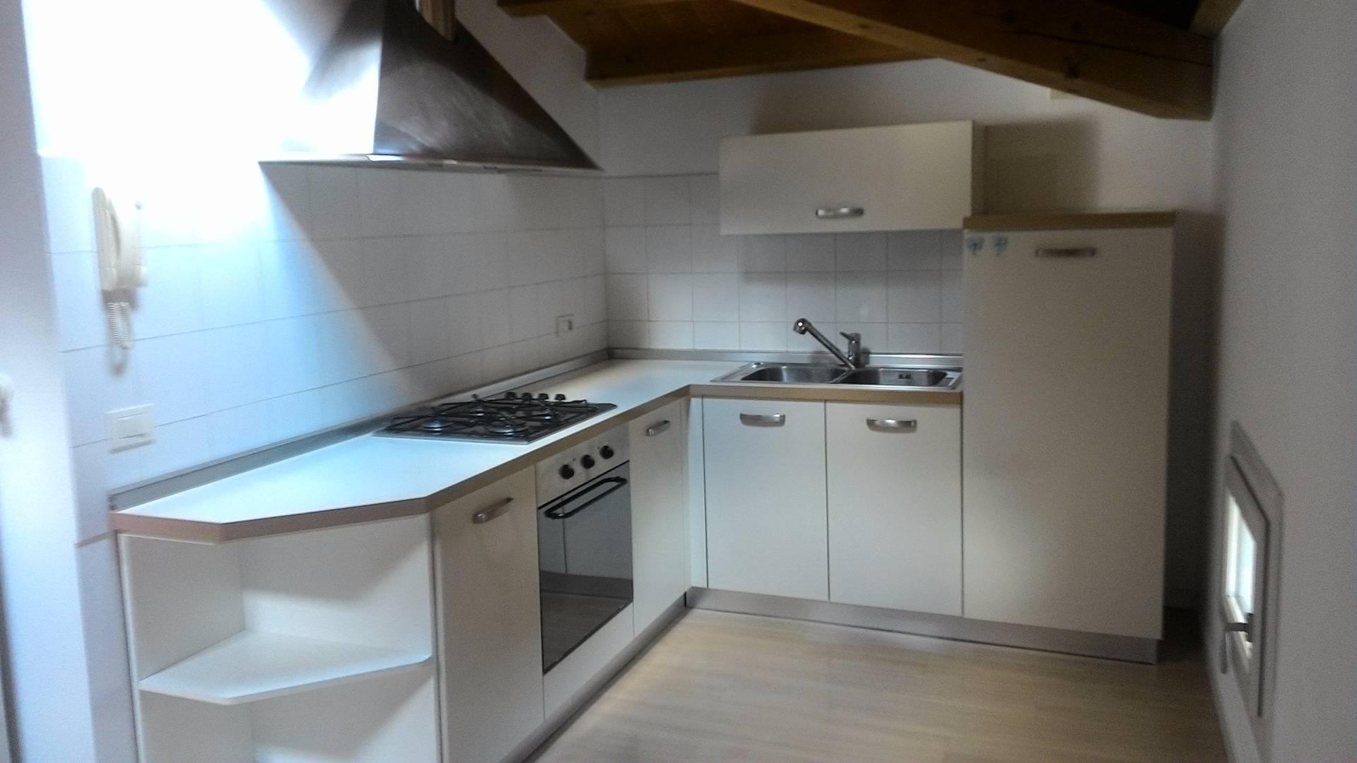 Appartamento in affitto a Conegliano, 5 locali, prezzo € 460 | Cambio Casa.it