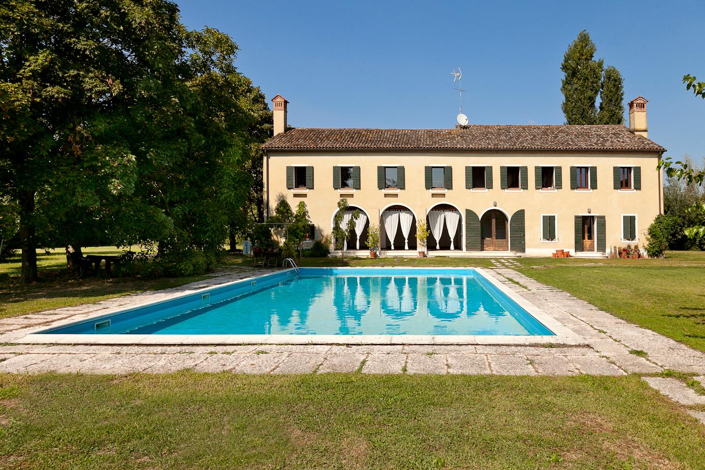 Villa in vendita a Quarto d'Altino, 11 locali, prezzo € 1.300.000   Cambio Casa.it