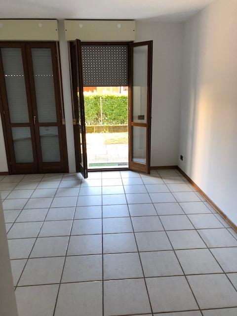 Appartamento in vendita a Susegana, 3 locali, zona Località: PontedellaPriula, prezzo € 70.000 | CambioCasa.it