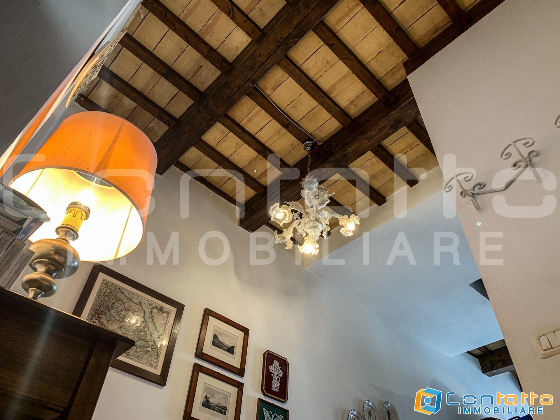 Casa indipendente in vendita a Carassai (AP)