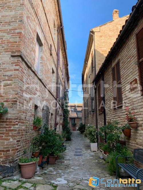 Casa singola in Vendita a Santa Vittoria in Matenano