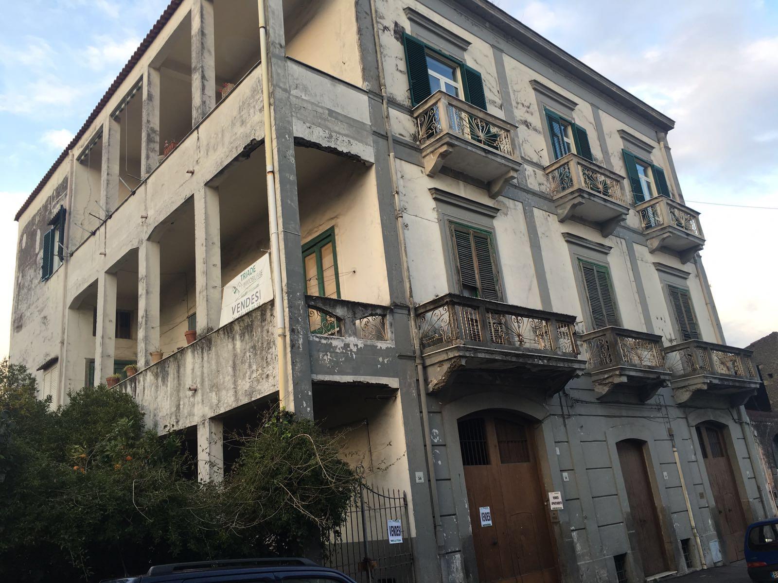 Soluzione Semindipendente in vendita a San Giuseppe Vesuviano, 6 locali, prezzo € 240.000 | CambioCasa.it
