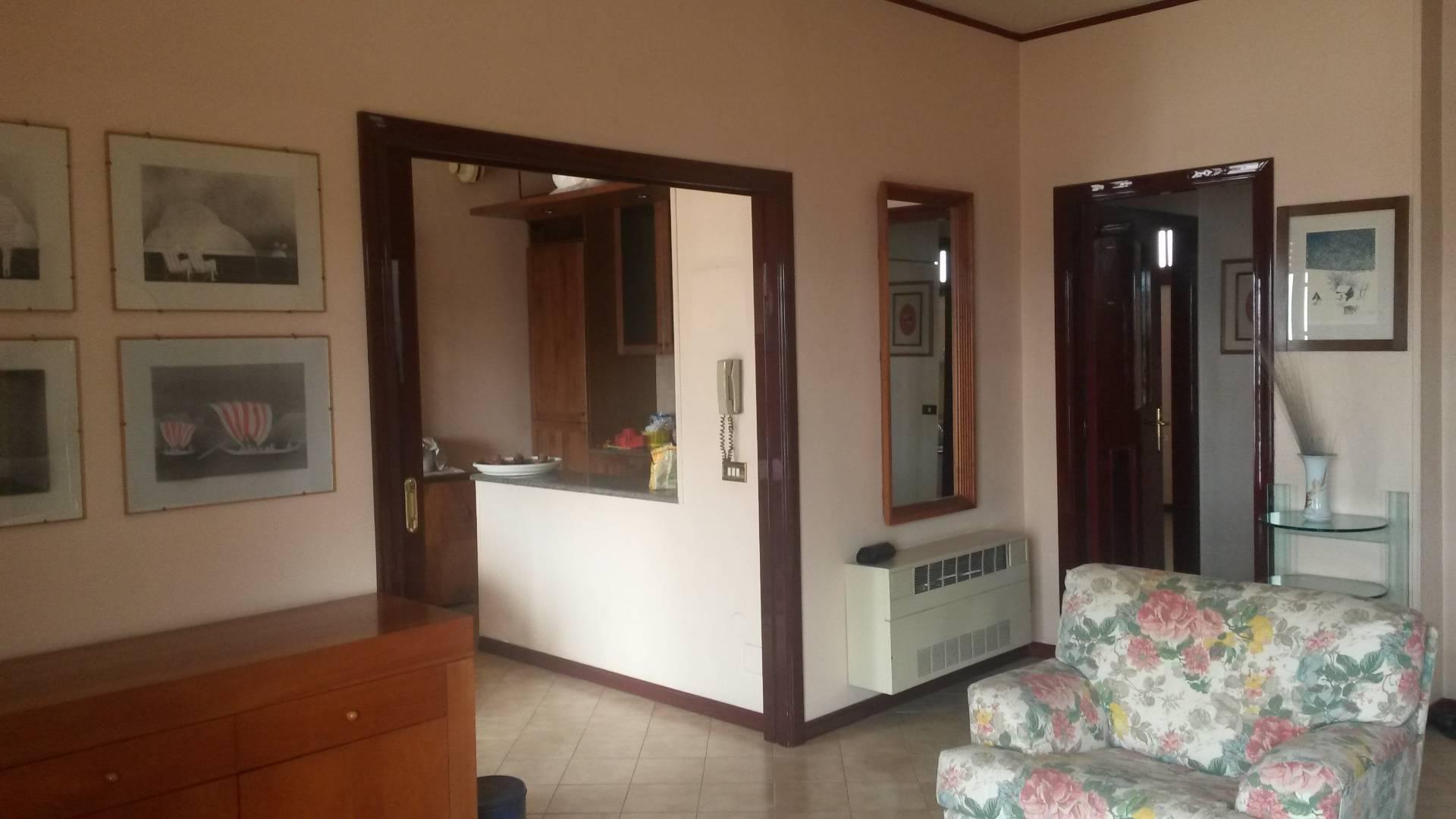 Appartamento in vendita a San Giuseppe Vesuviano, 5 locali, prezzo € 85.000 | CambioCasa.it