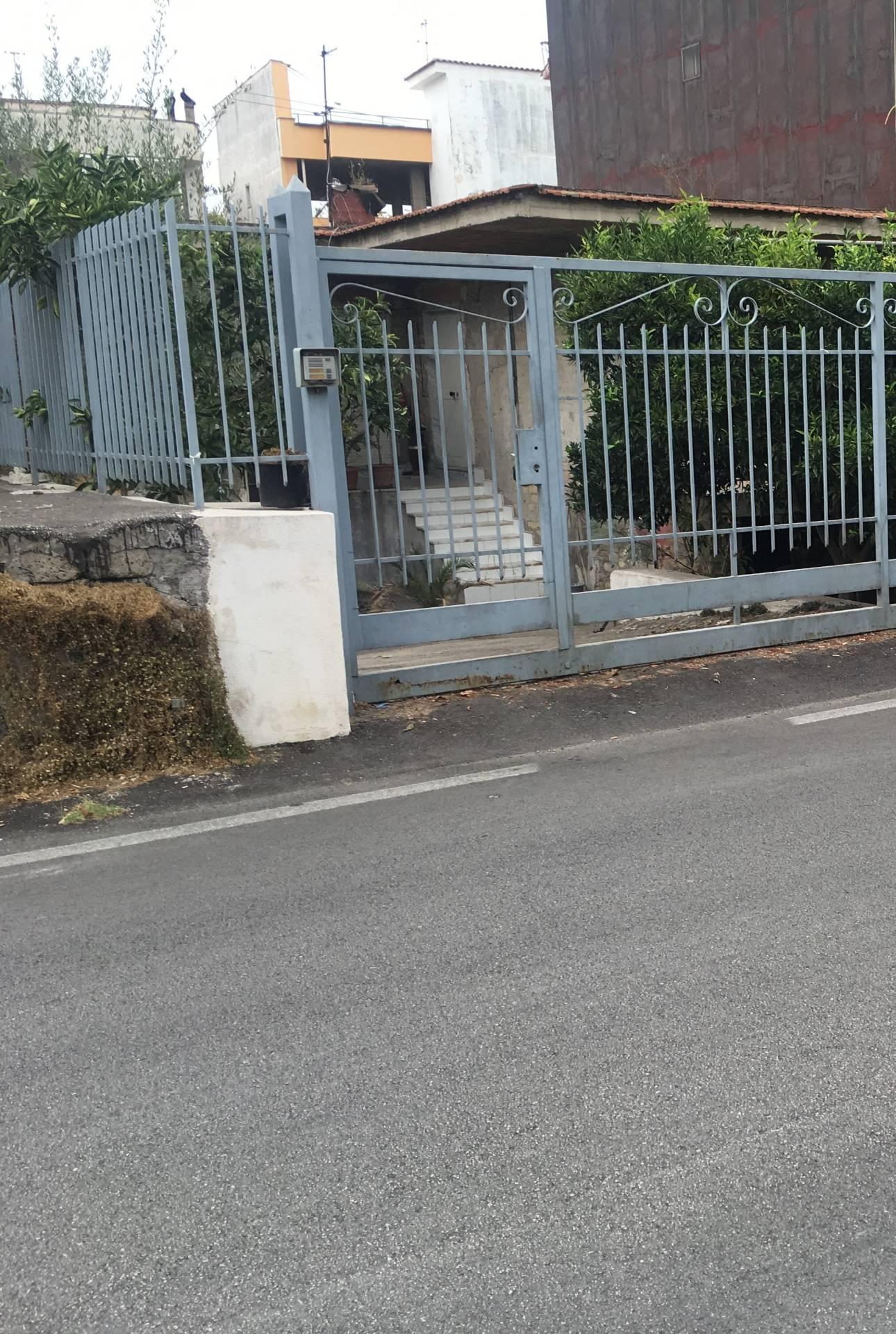 Soluzione Indipendente in vendita a San Giuseppe Vesuviano, 6 locali, prezzo € 185.000 | CambioCasa.it