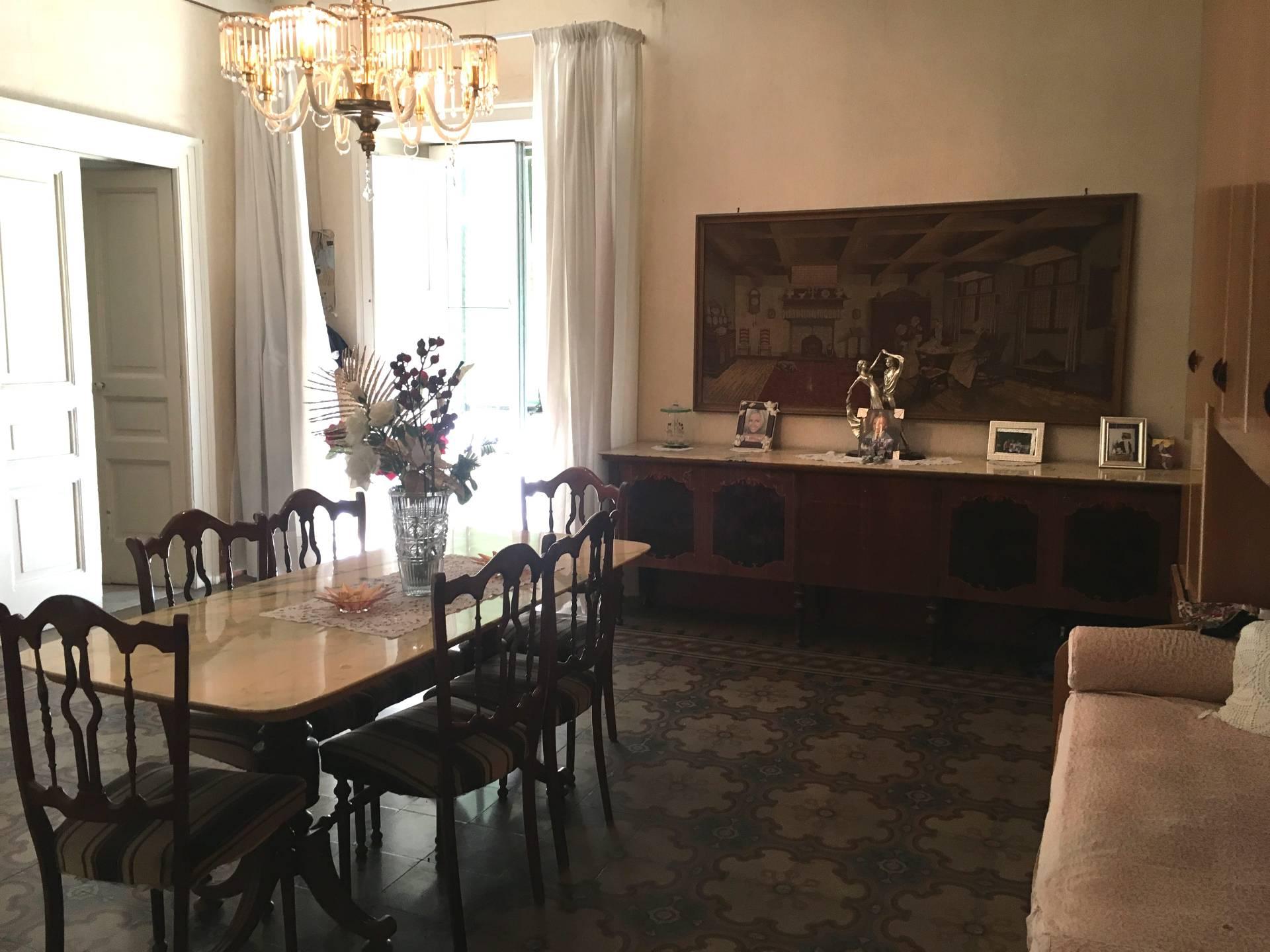 Appartamento in vendita a San Giuseppe Vesuviano, 4 locali, prezzo € 55.000 | CambioCasa.it