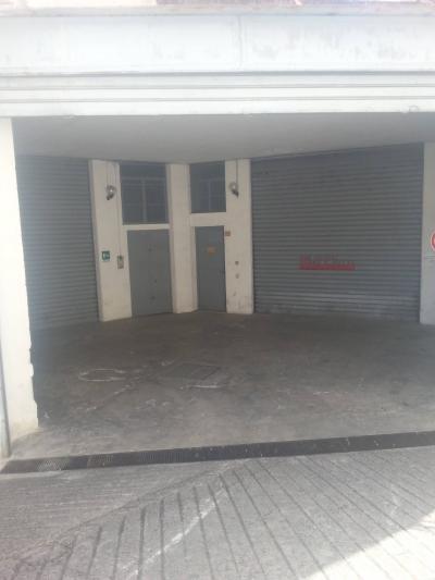 Posto auto scoperto in Vendita a Palermo