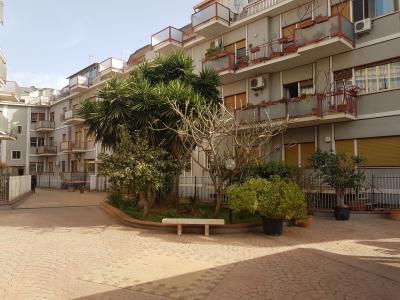 Lastrico solare in Vendita a Palermo