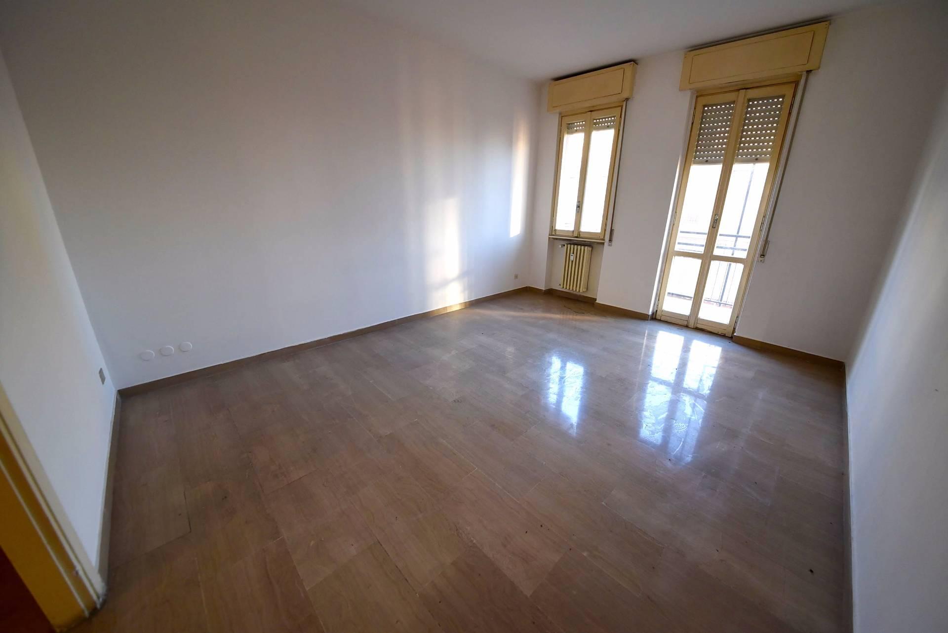 Appartamento in vendita a Saronno, 3 locali, zona Zona: Centro, prezzo € 123.000 | CambioCasa.it