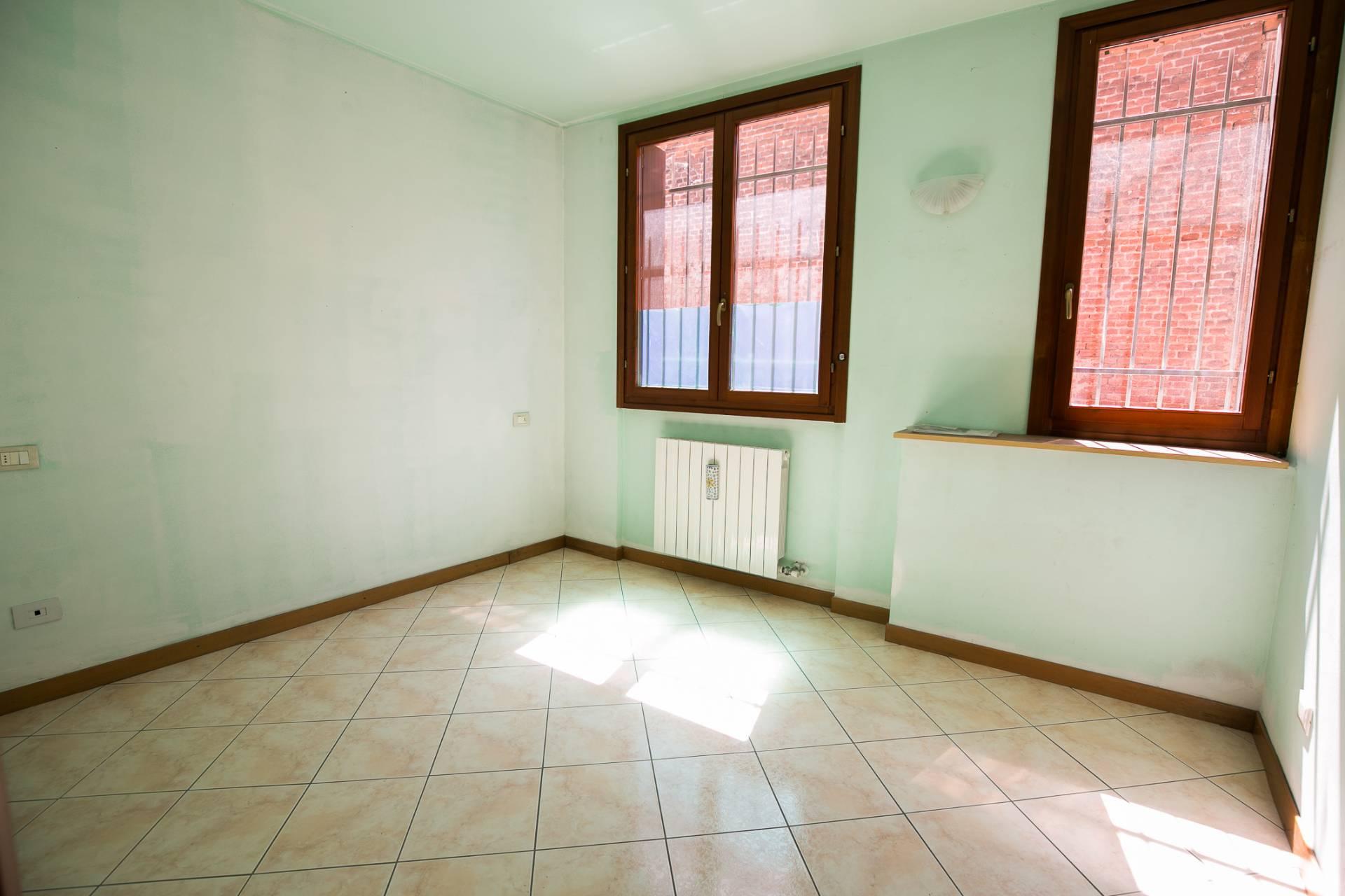 Appartamento in vendita a Uboldo, 3 locali, prezzo € 75.000 | CambioCasa.it