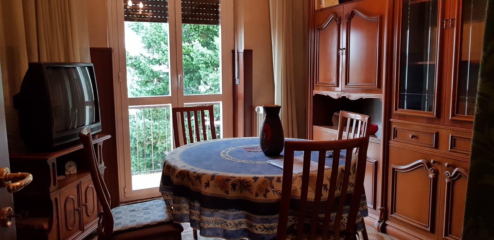 Appartamento in vendita a Saronno, 3 locali, prezzo € 75.000 | CambioCasa.it