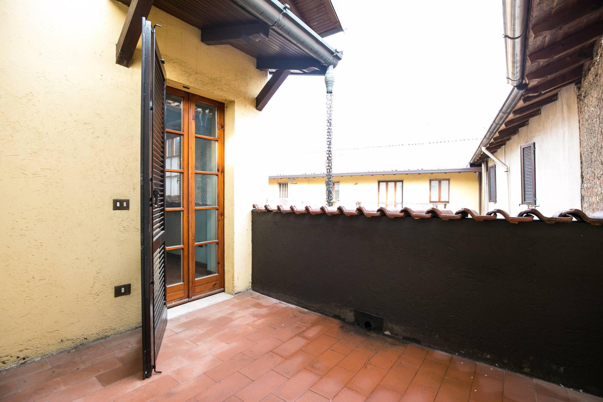 Appartamento in vendita a Uboldo, 6 locali, prezzo € 210.000 | CambioCasa.it
