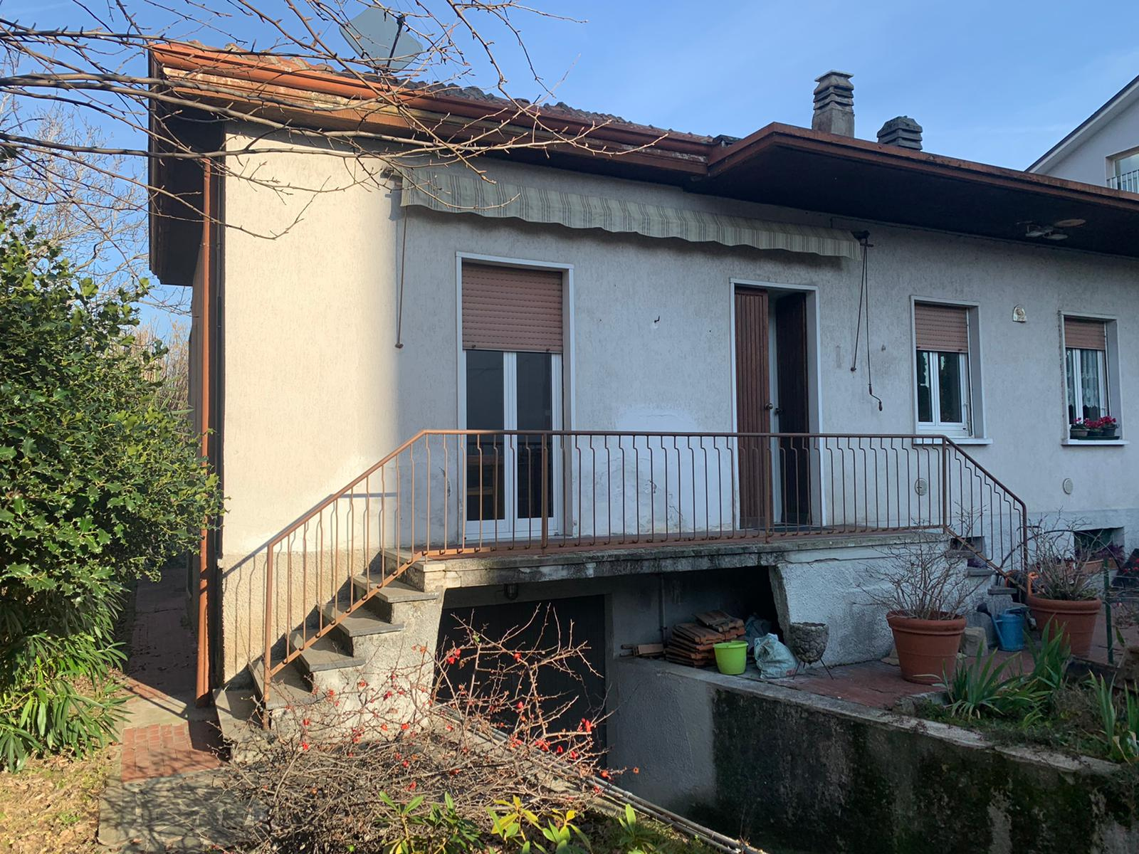 Villa Bifamiliare in Vendita a Saronno
