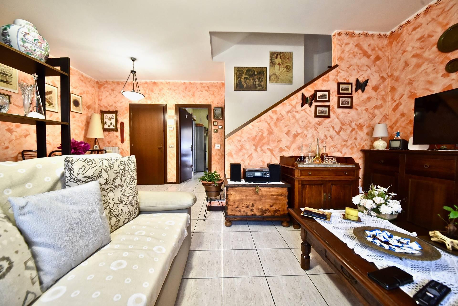 Villa a Schiera in Vendita a Rescaldina