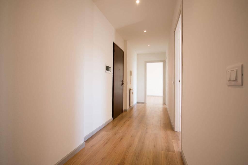 Appartamento in vendita a Rovellasca, 3 locali, prezzo € 125.000 | CambioCasa.it