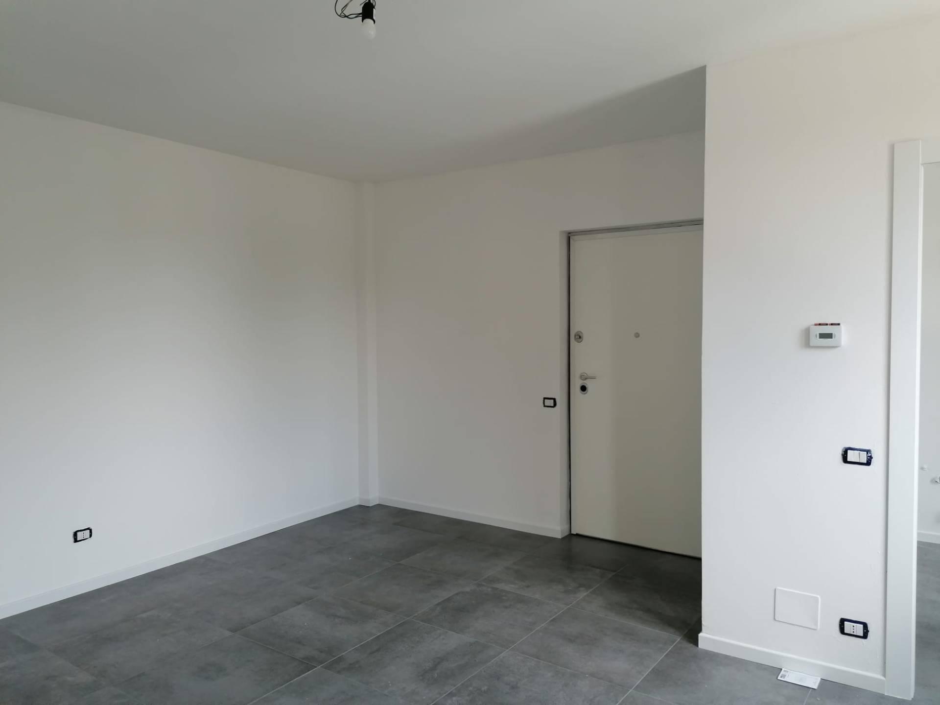 Appartamento in vendita a Uboldo, 3 locali, prezzo € 117.000   CambioCasa.it