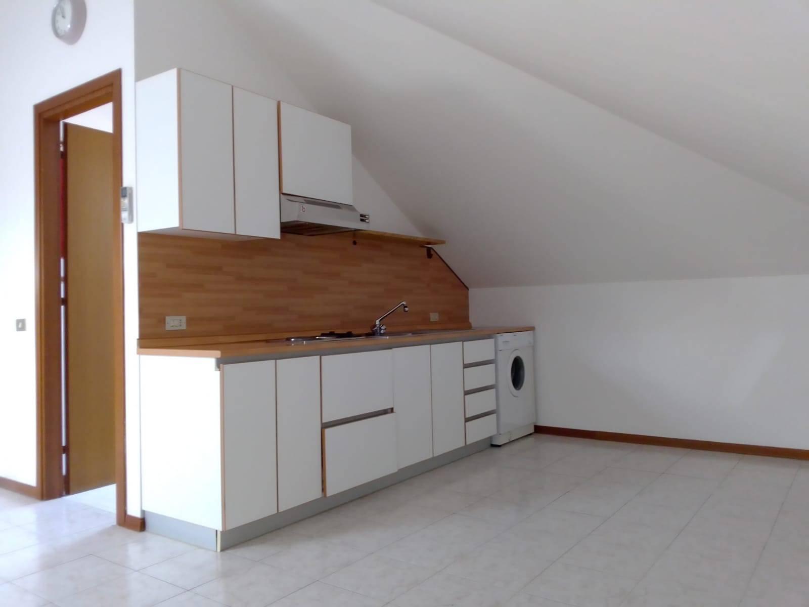 Appartamento in vendita a Castellanza, 2 locali, prezzo € 69.000 | CambioCasa.it
