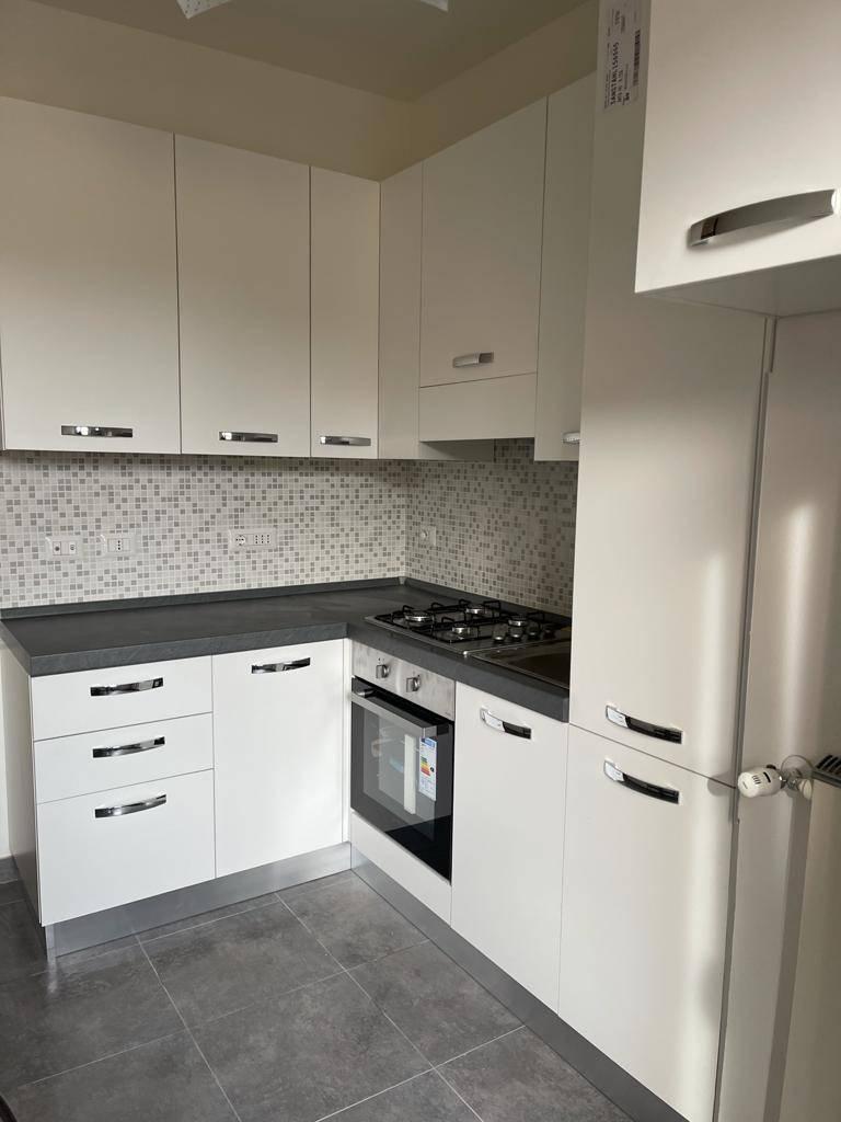 Appartamento in affitto a Saronno, 3 locali, zona Zona: Centro, prezzo € 750 | CambioCasa.it