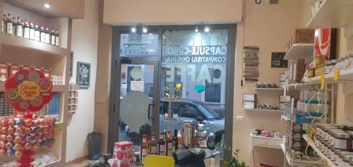 Negozio / Locale in affitto a Saronno, 9999 locali, prezzo € 900 | CambioCasa.it